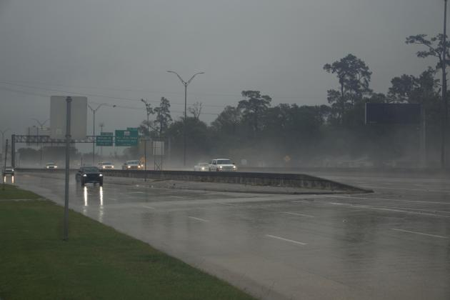 I-10 westbound traffic near Burger King at 9 a.m. Oct. 9